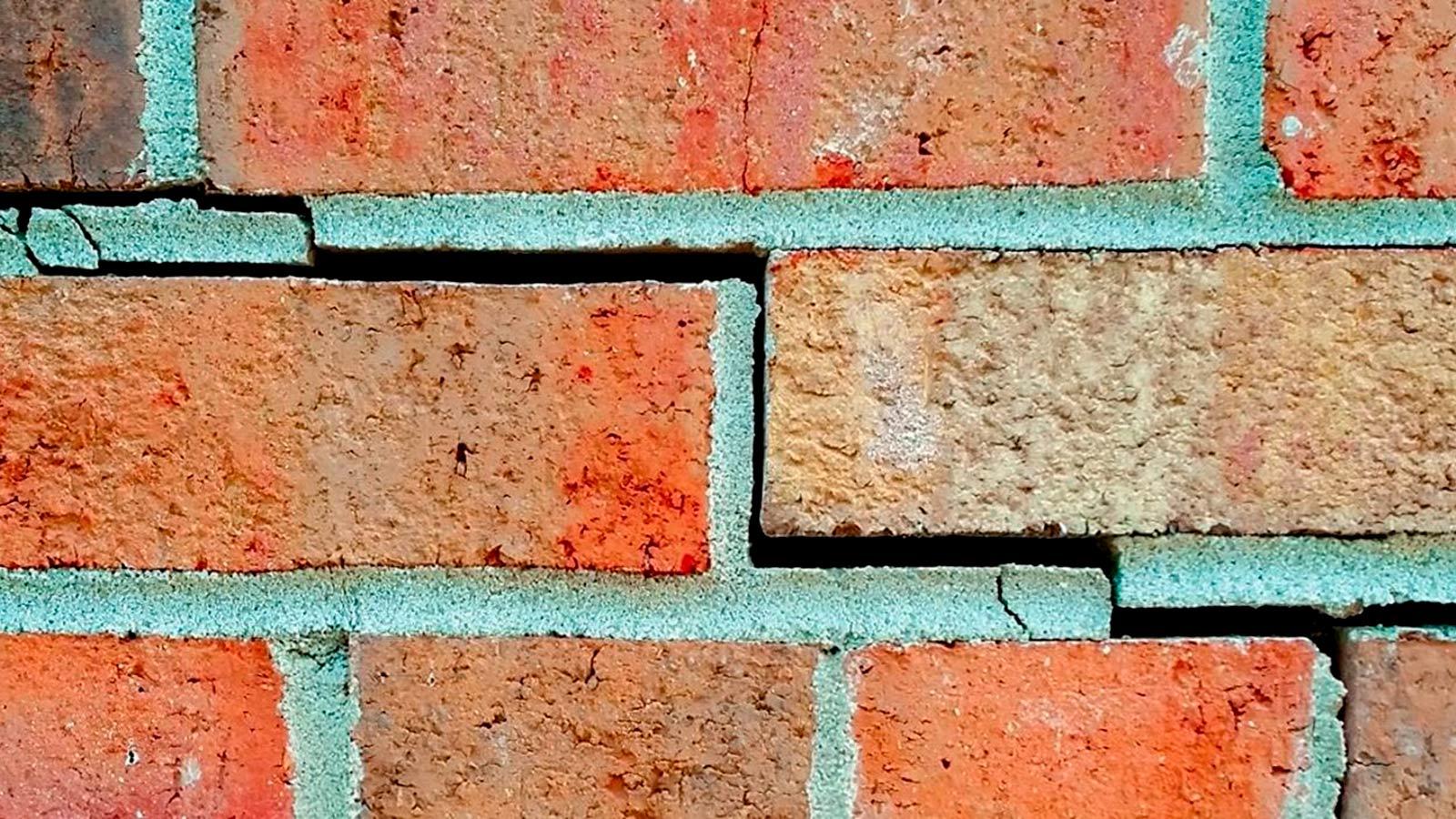 Когда требуется реставрация и инъектирование кирпичной кладки и бетона
